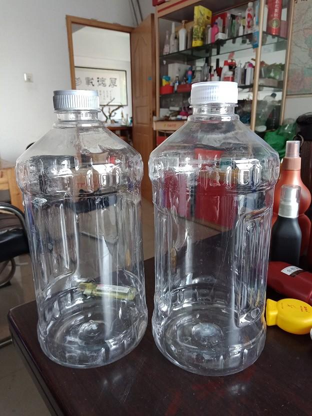新圆瓶2升正面
